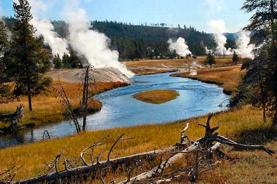 Geyers along Yellowstone River