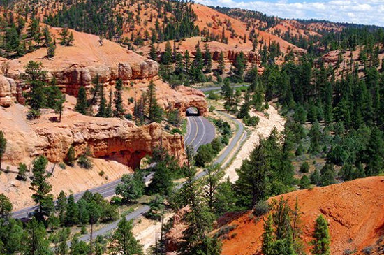 Red Canyon bike path just outside Bryce Canyon