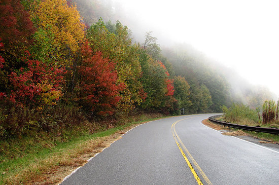 Misty autumn morning on the Cherohala Skyway